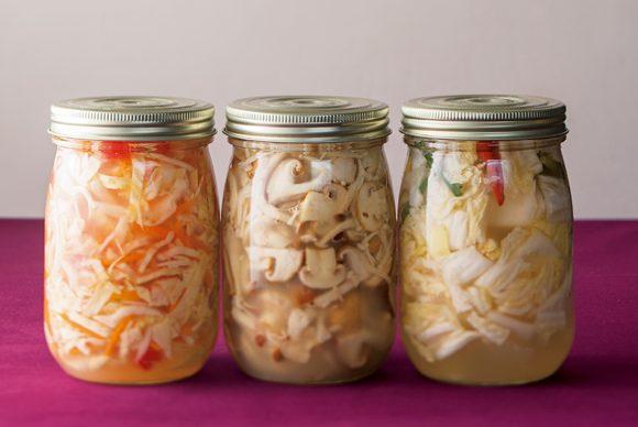 腸内環境を整え、美肌、疲労回復にいい!と話題の「発酵食」。さまざまな角度から取材