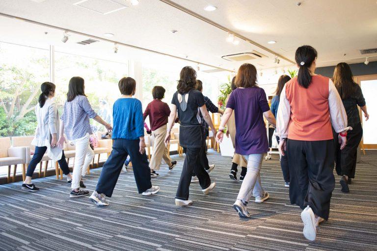 痩せたいならまず○○骨を動かすべし!13号→9号になった講師の言葉に参加者、興奮。「痩せる姿勢と歩き方セミナー」が開催されました
