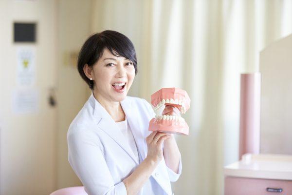 """石井さとこ(歯科医師)/双子の子育てをしながら訪れた""""3つの転機""""で、世の女性たちに自信を持たせてくれる専門医に"""
