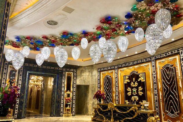 週末旅はウルトララグジュアリーホテルの評判のスパで、ベトナム伝統療法を堪能