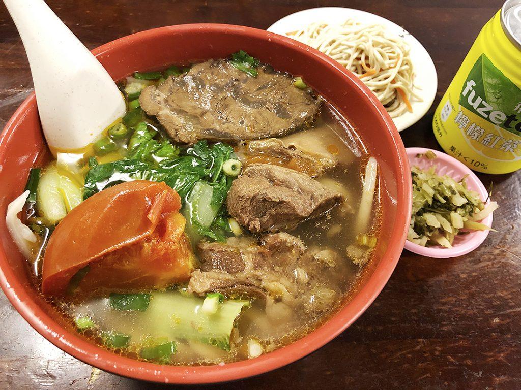 台湾本 トマト牛肉麺