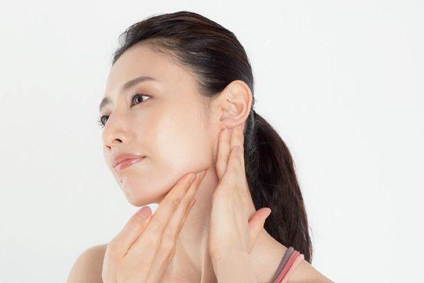 【動画あり】首の緊張を緩めて二重あごを解消する方法は/森 拓郎さん伝授④