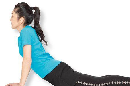 腰痛には布団の上のストレッチ/家で不調を治すアロマストレッチ