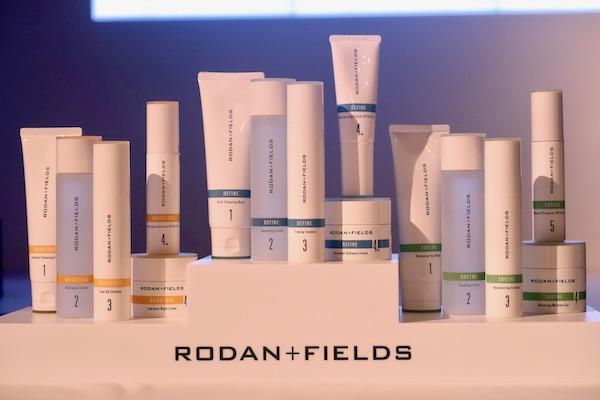 プロアクティブ開発者の美容皮膚科医が取り組んだプレミアムスキンケア製品とは?