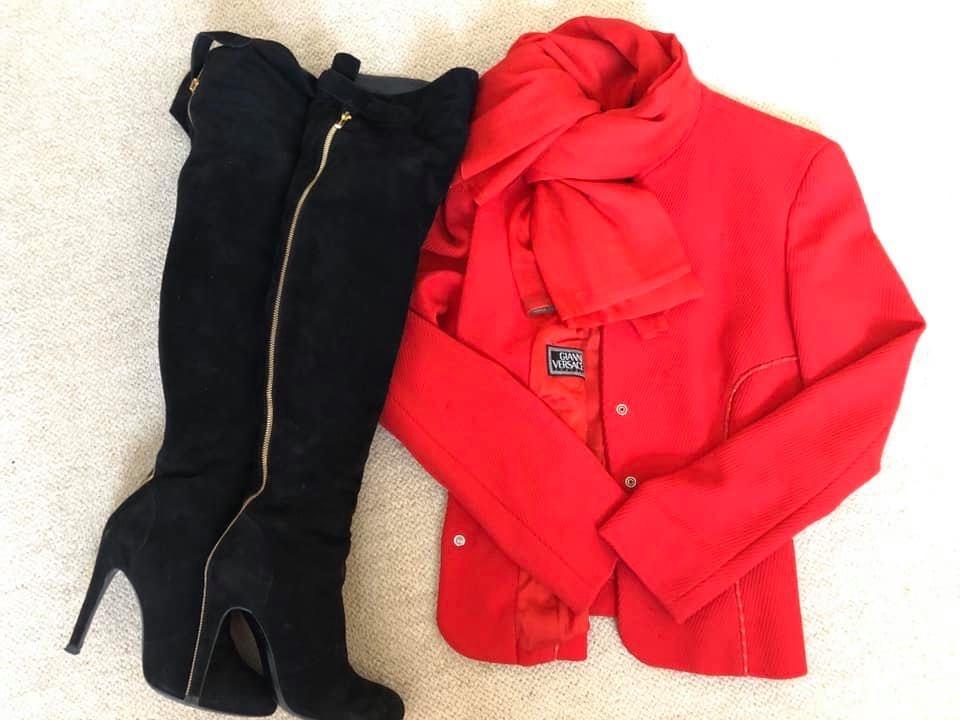 朝倉さん 赤いジャケット