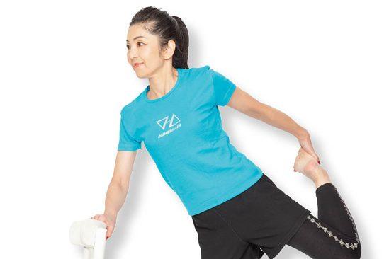 むくみ改善には膝裏&太ももストレッチ/家で不調を治すアロマストレッチ