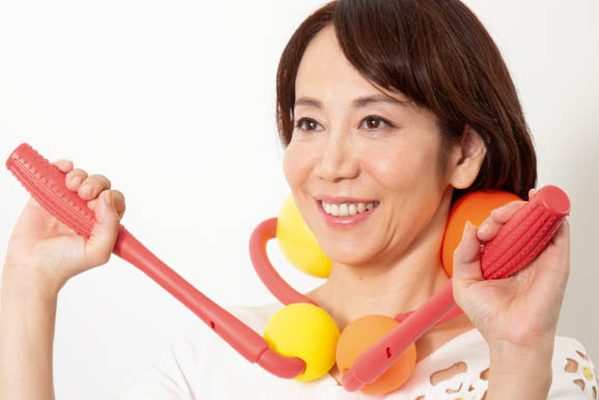 乳突筋ほぐしでたるみを予防/「すっきり顔」に効く道具(後編)