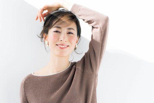 コーラルピンクの「チーク」メイクで幸せ感あふれる血色チークに/千吉良恵子さん