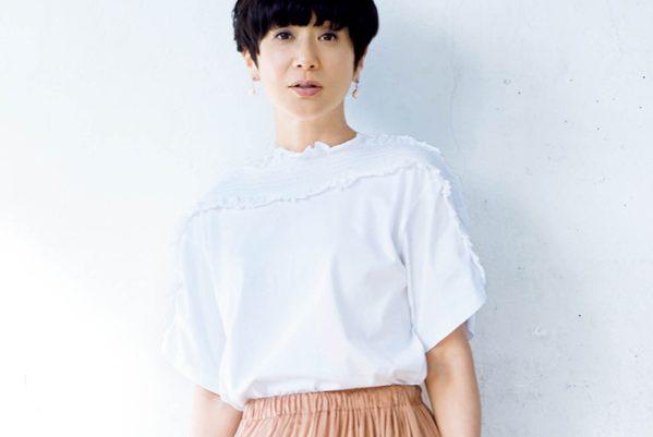 黒田知永子さん、「揺れる素材」のロングスカートの余韻が女らしさのカギ
