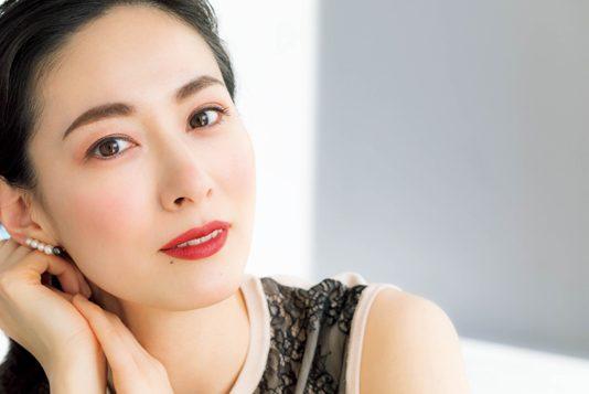 大人を美しく見せるバラ色「リップ」メイク/千吉良恵子さん