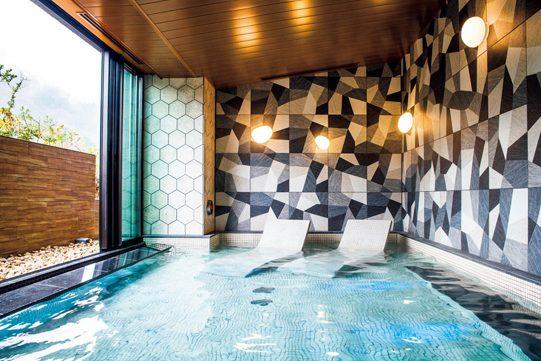 新しさと箱根強羅の伝統が共存する「泊まれるアート」のようなホテル