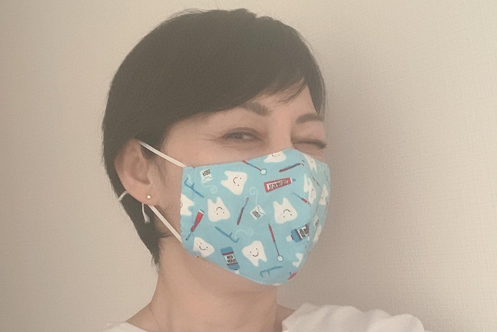 【動画あり】自粛の影響!? マスクの下に「顔たるみ」が!? 撃退エクササイズを50代人気歯科医が動画で公開!!