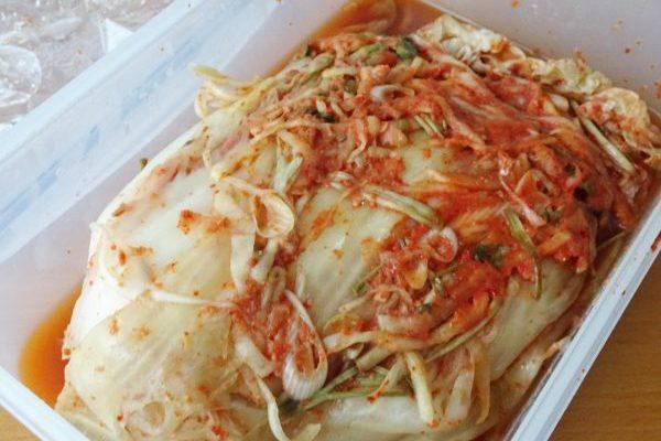 おうち女史組。自作の韓国料理を満喫しています。