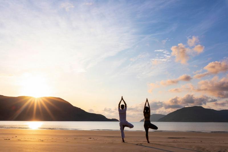 不穏な時も、心身の健康を維持する毎朝のヨガ/トップリゾートのウェルネスの専門家がおすすめ!④