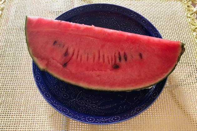 大好きなスイカをとことん食べ尽くし、夏バテ&むくみも撃退!!  毎日が開運な編集者の日常⑬