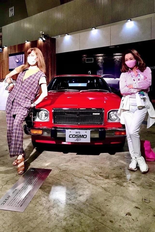 朝倉さん 赤い車
