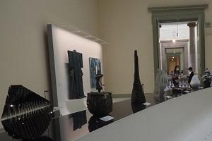 重要文化財の建物内で鑑賞する  現代の工藝作品の美