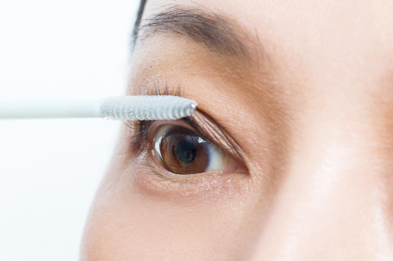 まつ毛が細く少なくなってきたら、マスカラ下地でハリを出す/AYA流「目もと印象」強化塾⑥