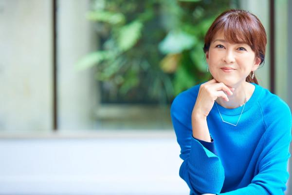 森尾由美さんがお母様にすすめた、まったく新しい部分入れ歯ケアとは?