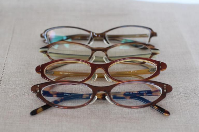 メガネのつるに書かれた数字の意味、知っていますか?
