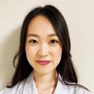 横江友貴さん コーセー研究所 皮膚・薬剤研究室研究員。