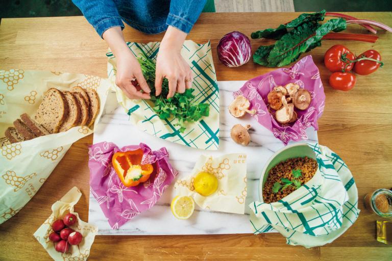 プラスチックラップを使わずミツバチのワックスを生かした食品ラップが話題「Bee's Wrap」/NYのSDGs最新事情③