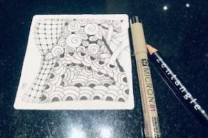 ゼンタングル=Zentangle®をご存知ですか? 不思議で素敵なアートを描いてみました