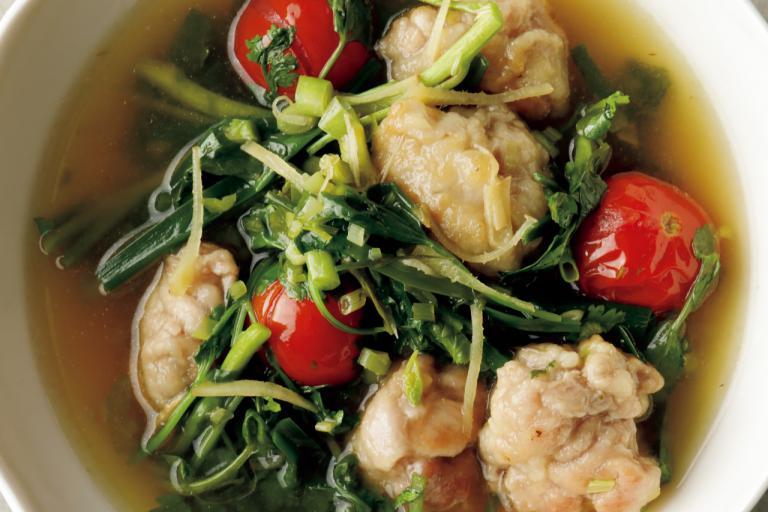 香味野菜が豚肉のおいしさを引き立てる「豚肉団子入り野菜スープ」/野菜スープに「+肉」で栄養価とおいしさアップ