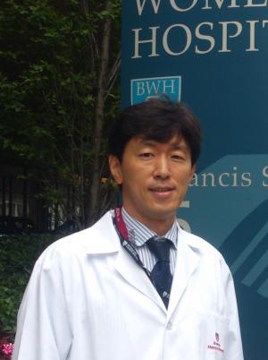 Dr.negoro_根来先生写真