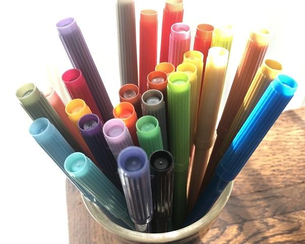 たくさんのカラーペン
