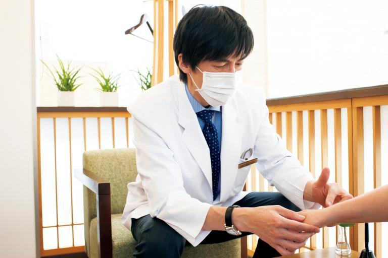 ライターが体験! 美容クリニックのしみ・シワ施術で手を若返らせる/ストップ「手老化」!⑦