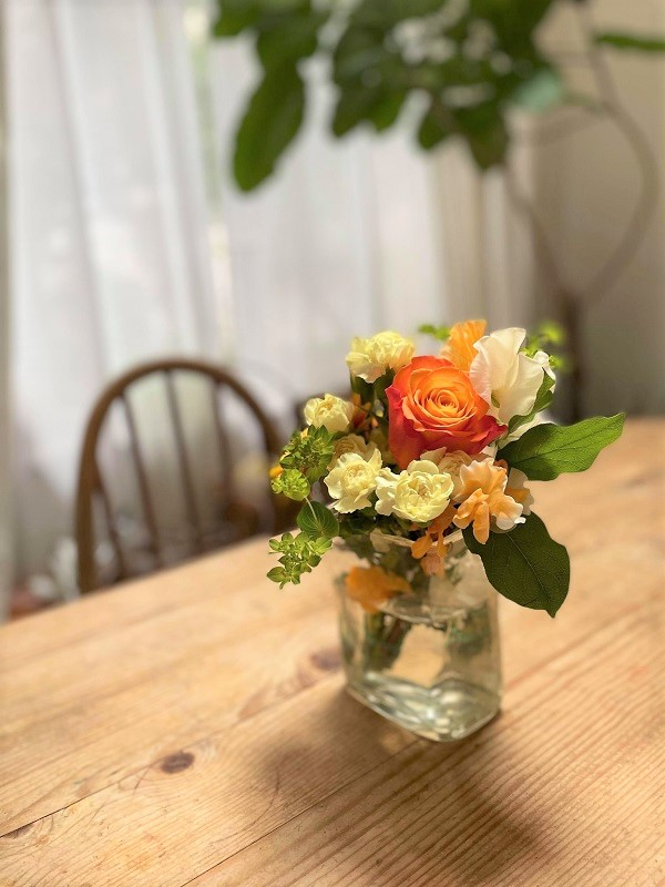 ビタミンカラーの花束1
