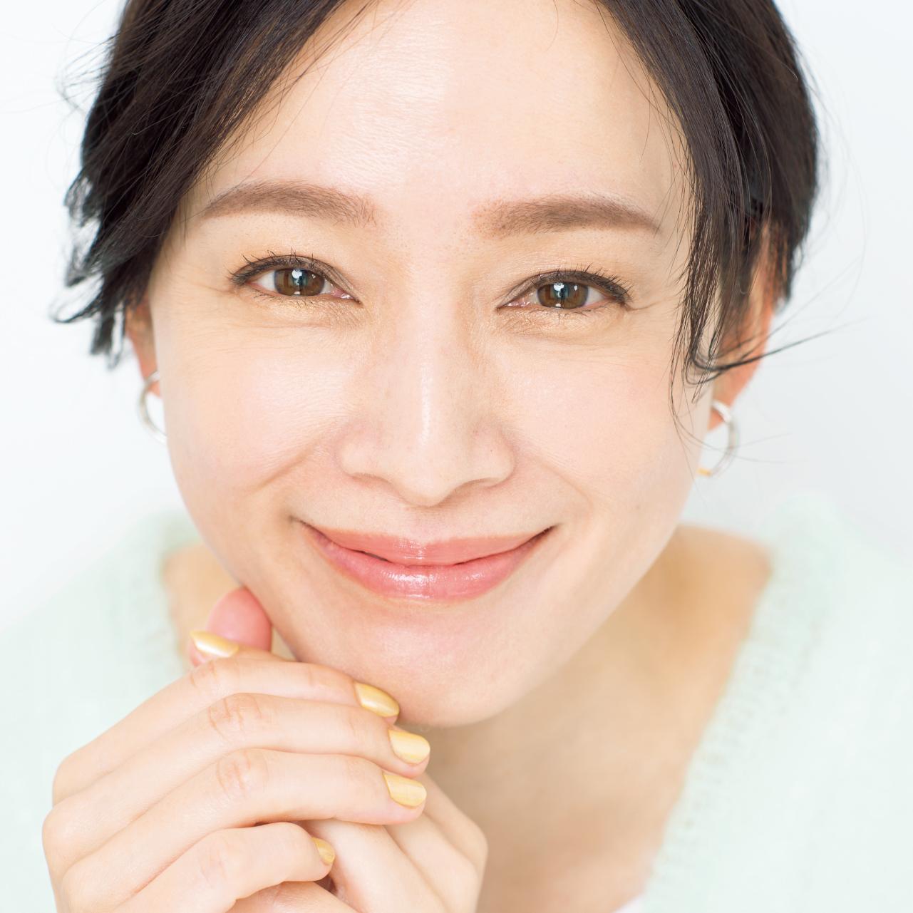 モデル/竹中友紀子さん withマスクで美人な眉は、マスクを外しても素敵!