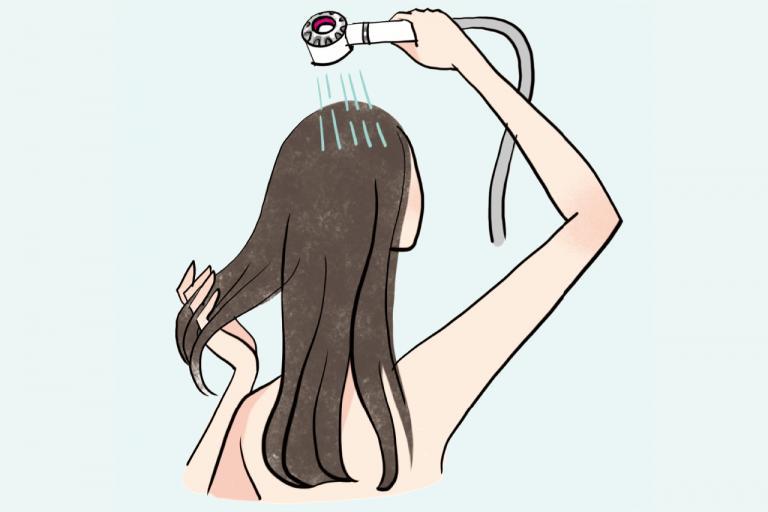 <水井真理子さん>重炭酸シャワーヘッド&タブレットで、しなやかなツヤ黒髪に/ツヤ・ふわ美髪のあの人がしていること③