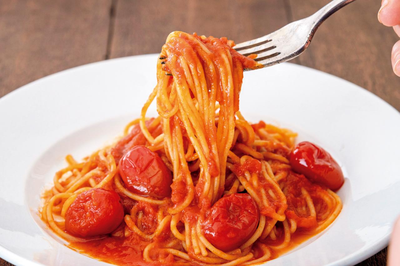 丸ごとのミニトマトがごろっと入った「ZENB ミニトマトの濃厚ソース」を使ったZENB NOODLE(ゼンブ ヌードル)調理例