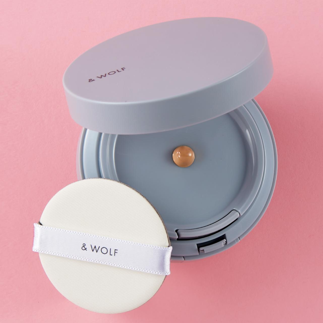 & WOLF セラムリキッドファンデーション 全3色 ¥4,180(リフィル¥3,080)/シロク