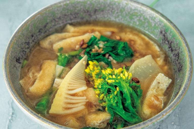もち麦入り、たけのこ、菜の花の味噌汁/食物繊維が効く「朝の具だくさんスープ」④
