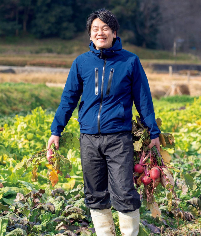 自慢の畑を案内してくれた中井宏和さん