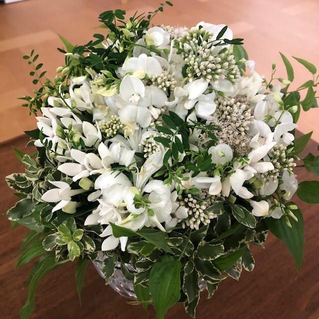 東信『JARDINS des FLEURS (ジャルダン・デ・フルール)』白と緑のブーケ
