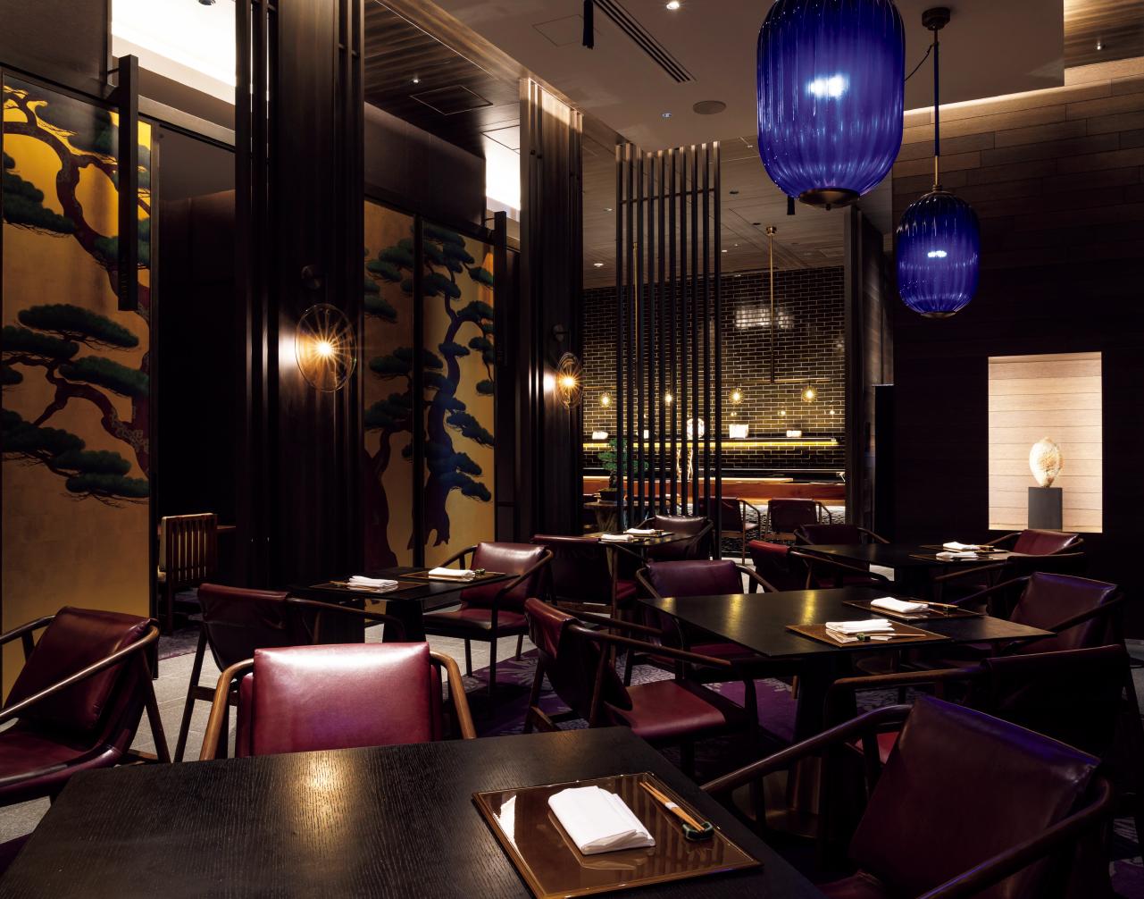 寿司・鉄板焼き・会席の3つのスタイルを提供する日本料理「校倉」