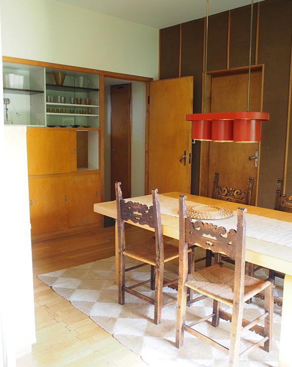 フィンランド アアルトハウスの食器棚