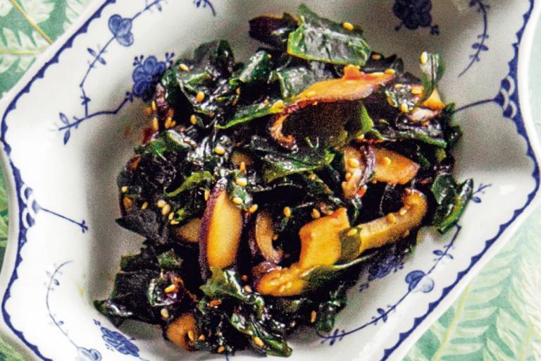 わかめとしいたけの豆板醤炒め/5分でできる「センイ小鉢」①