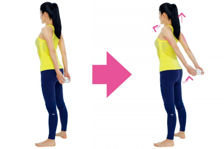 ペットボトルを使い二の腕の外側に効かせる「二の腕痩せ」/Naokoさんの「美ボディ」ストレッチ⑧