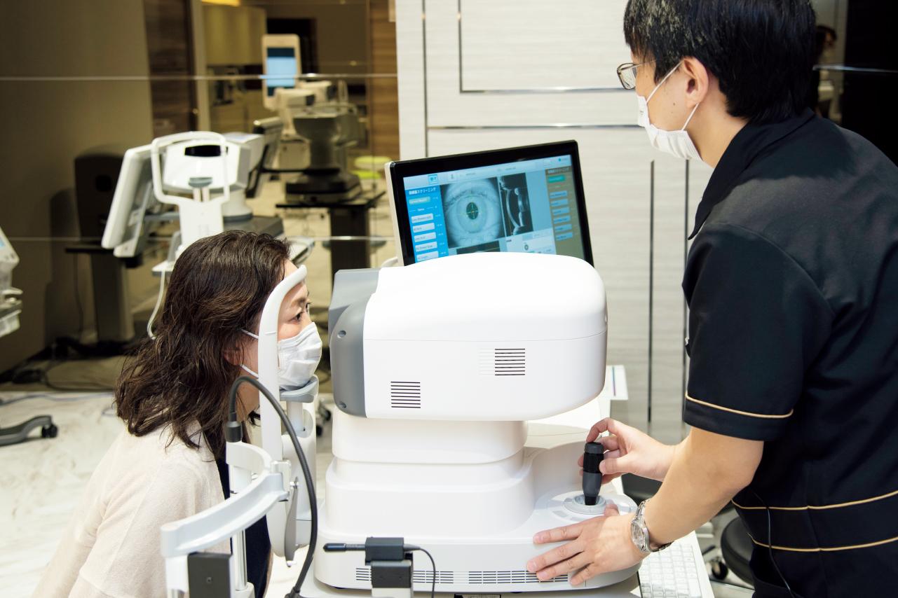 視力、度数、眼圧などの検査