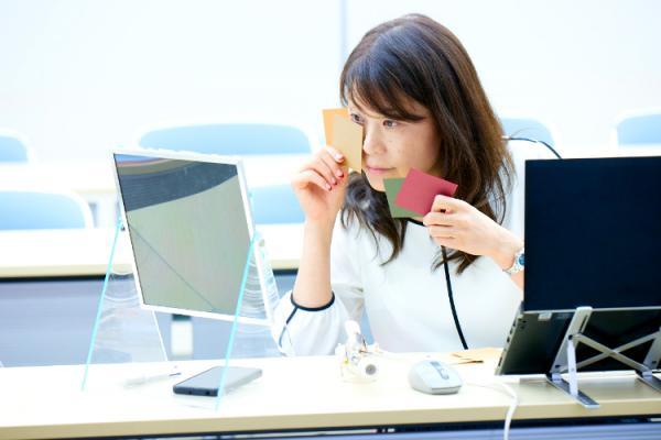 カラープロデューサー今井志保子さん×花王ブローネ「自分に似合う色を見つけよう」 オンラインセミナーが開催されました。