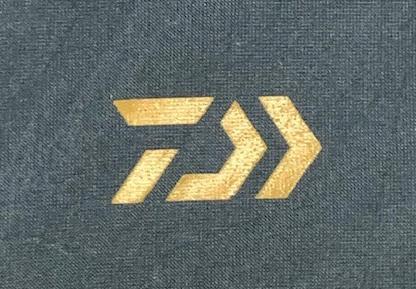D-VEC(ディーベック) 佐藤可士和デザインのロゴ