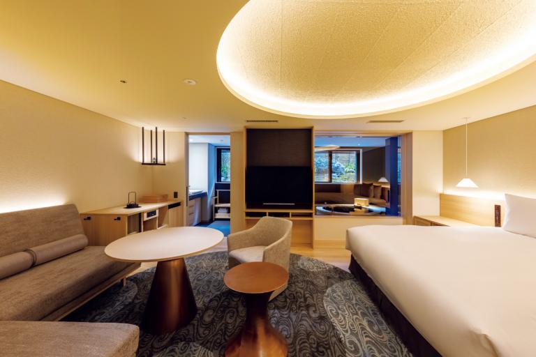 全室にひのき造りの温泉風呂「ふふ 京都」/おこもりを楽しむプライベート温泉