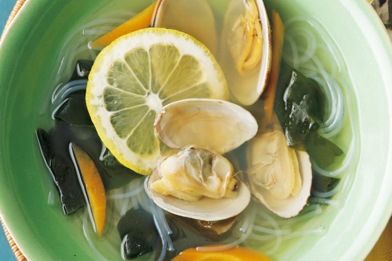 レモンがアサリの鉄分吸収を促進「アサリと春雨のタイ風スープ レモンナンプラー風味」/ミネラル不足解消レシピ①