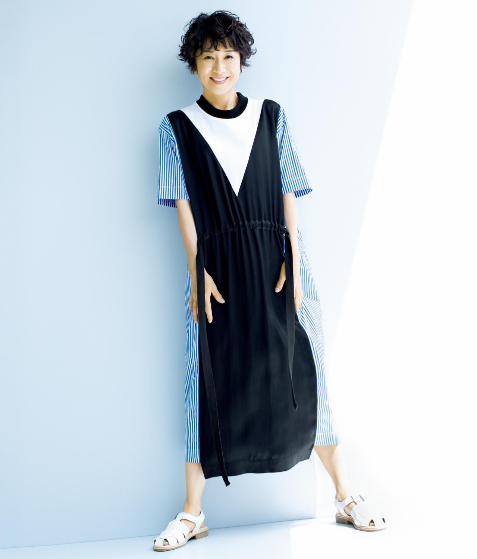 ワンピースを着る黒田知永子さん
