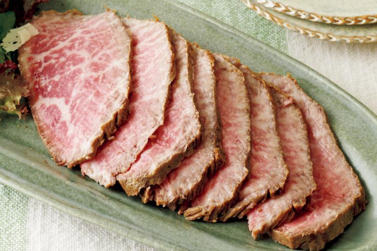 高タンパク低脂肪の牛赤身肉は鉄分も豊富「赤身肉の簡単ローストビーフ」【フライパンひとつでOK】/ミネラル不足解消レシピ⑩